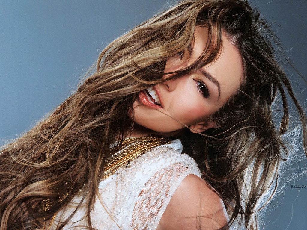 https://i1.wp.com/images2.fanpop.com/images/photos/6700000/Thalia-thalia-6706384-1024-768.jpg