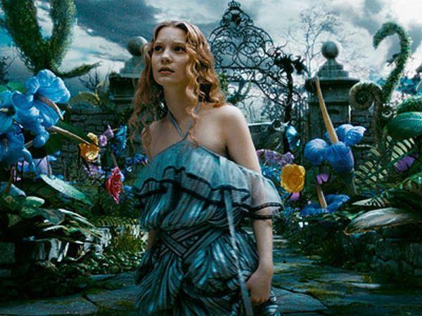 Alice in Tim Burton's 'Alice In Wonderland' - Alice in ...