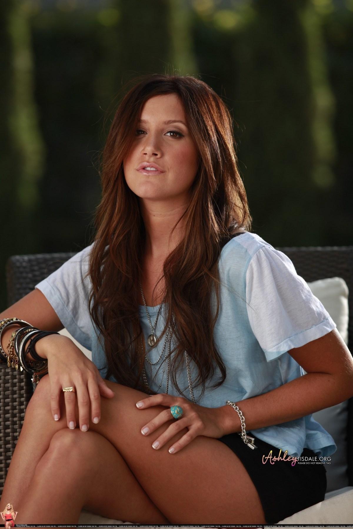 Ashley Tisdale hot