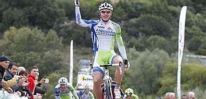 Peter Sagan vince così la prima tappa del Giro di Sardegna. Bettini