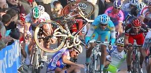 La pericolosa caduta di Sagan in volata. Reuters