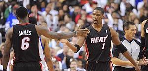 La soddisfazione di Chris Bosh e LeBron James. Reuters