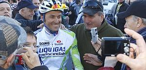 Bagno di folla per Ivan Basso. Bettini