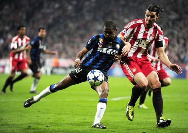 Samuel Eto'o, un gol e due assist nella rimonta al Bayern Monaco. (Gazzetta.it)