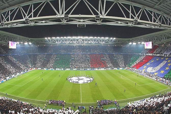 La bellissima cornice dello stadio bianconero. LaPresse