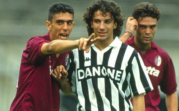 Del Piero, 20 anni fa il debutto  - Del Piero nel 1993, l'anno del debutto con la Juve. La prima partita  giocata in bianconero è stata Foggia-Juve 1-1