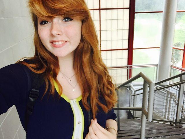 Linda garota de cabelo ruivo pack de novinhas