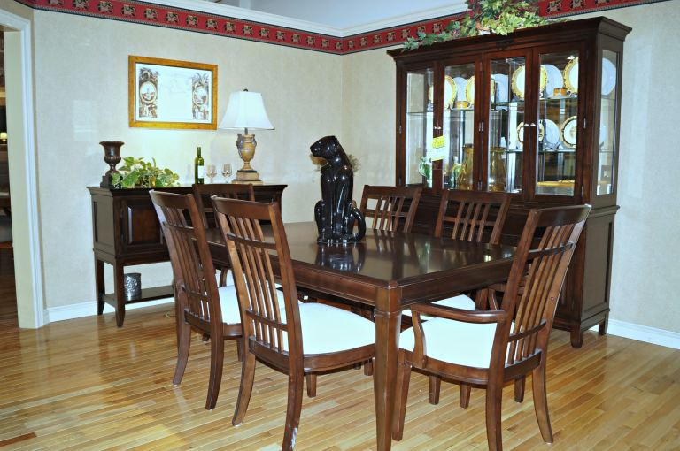 Thomasville Bridges 9 Pc Dining Room Set