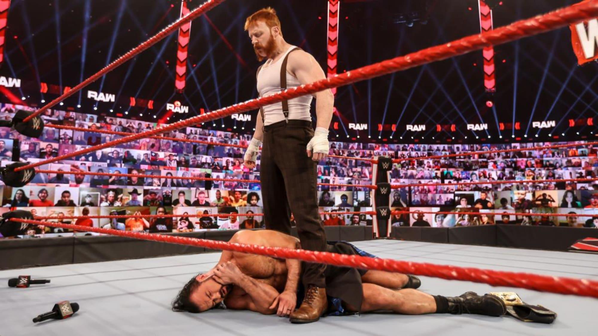 WWE Raw: Feb. 15 – Gauntlet match season!