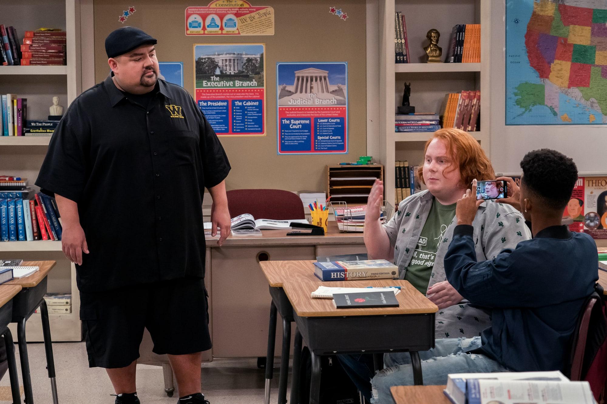 Photo of Watch Mr. Iglesias season 2 online: Stream Netflix