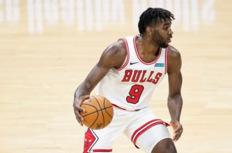 Chicago Bulls: Patrick Williams snatches Ayton in defensive play of the year