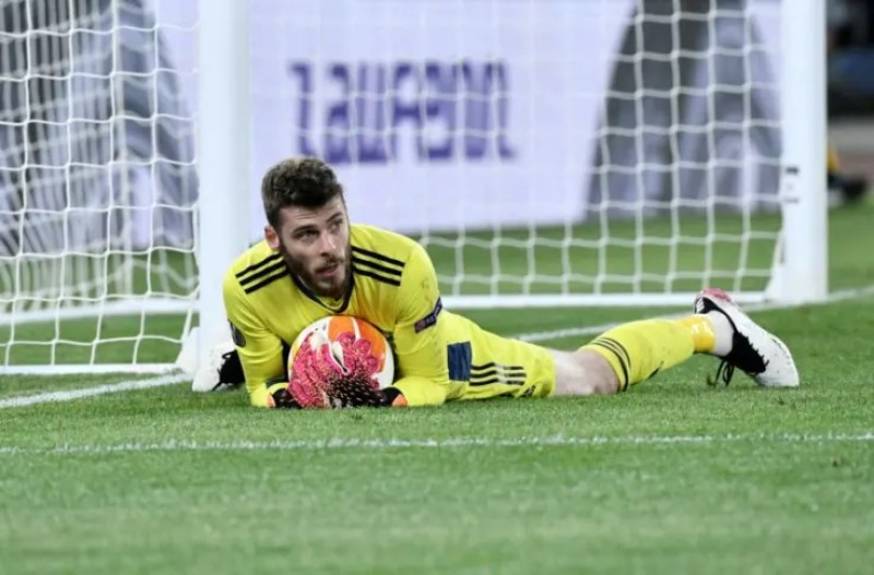 What is David de Gea's Manchester United future after AS Roma heroics?