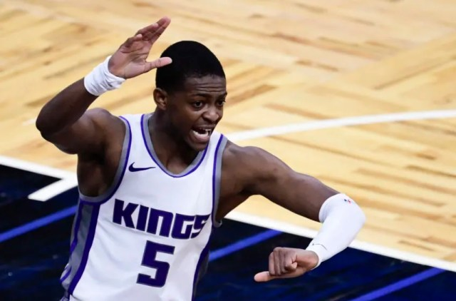 ORLANDO, FLORIDA - JANUARY 27: De'Aaron Fox #5 of the Sacramento Kings reacts during the third quarter against the Orlando Magic at Amway Center on January 27, 2021 in Orlando, Florida. NOTE TO USER: User expressly acknowledges and agrees that, by downloading and or using this photograph, User is consenting to the terms and conditions of the Getty Images License Agreement. (Photo by Douglas P. DeFelice/Getty Images)