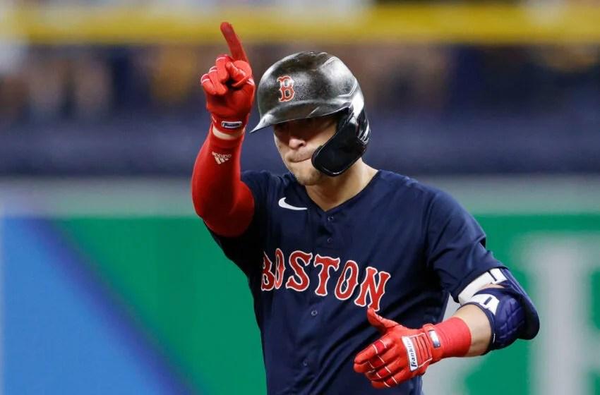 SAN PETERSBURGO, FLORIDA - 8 DE OCTUBRE: Boston Red Sox Enrique Hernandez # 5 a las 6 p.m.  (Foto de Douglas P. Diffelis / Getty Images)
