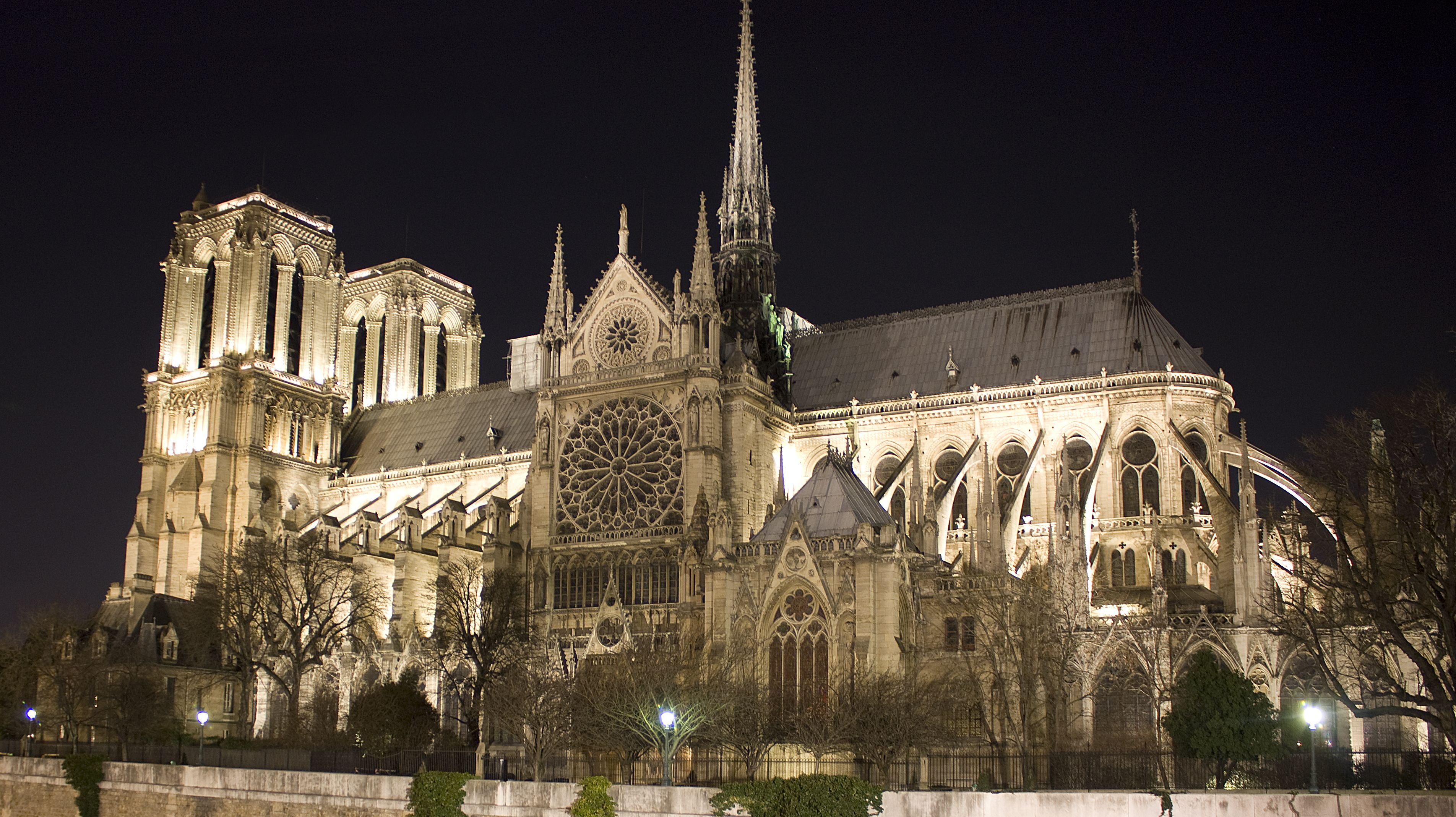 13 facts about notre dame cathedral