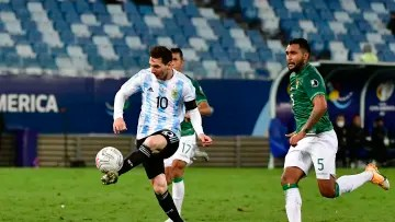 Bolivia v Argentina: Group A - Copa America Brazil 2021 - Messi is about to puncture her.