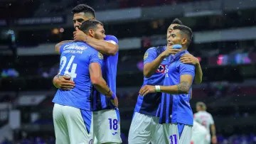 Orbelin Pineda celebrates Cruz Azul's goal