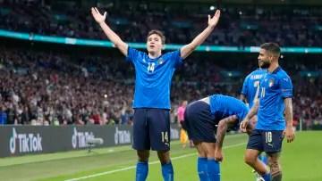 Chiesa celebrates his goal to Spain