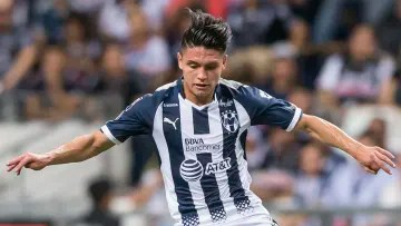 Jonathan González could leave Rayados to defend the Rayos del Necaxa jersey.