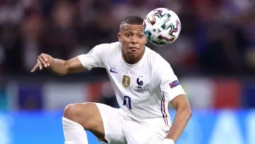 Kylian Mbappé moves further and further away from the Santiago Bernabéu