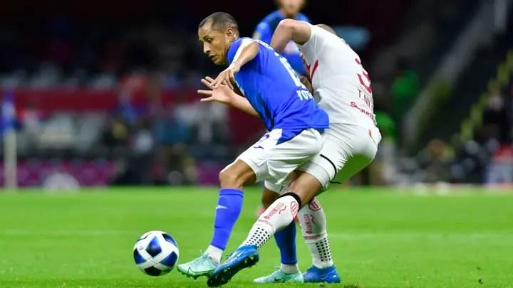 Victor Yoshimar Yotun, Jorge Torres - Soccer Player