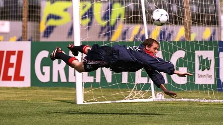 Paul Gascoigne fools about in England training