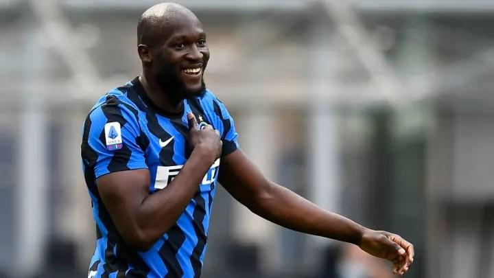 Romelu Lukaku of FC Internazionale celebrates afte 25e152492ada77d3812a48ff3ec868bb