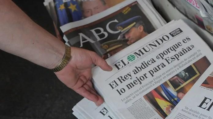 Mbreti i Spanjës Juan Carlos njofton planet për të hequr dorë pas 39 vjet mbretërimi