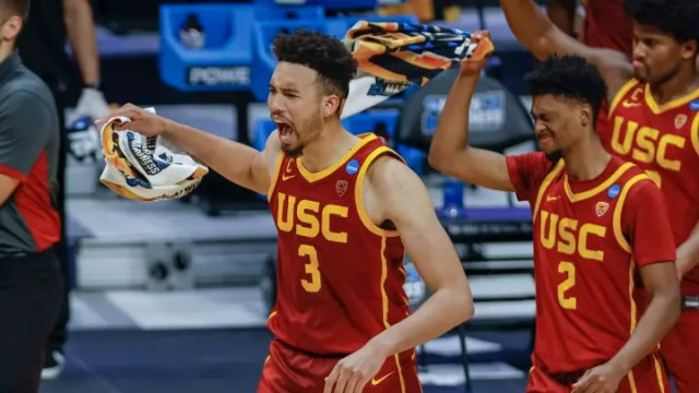 Oregon vs USC prediction, pick and odds for March Madness NCAA Tournament Sweet Sixteen game.