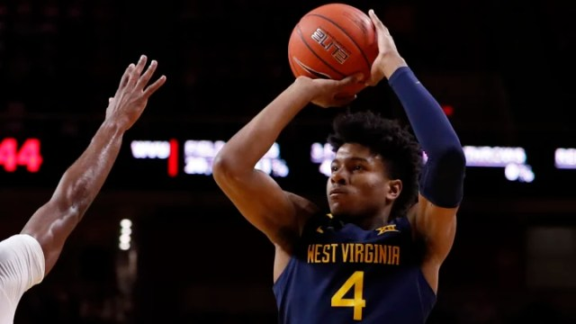 Kansas vs West Virginia prediction, pick and odds for NCAAM game.