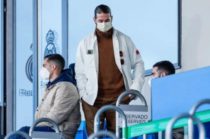 Sergio Ramos aktualisht është i detyruar të shikojë nga tribunat