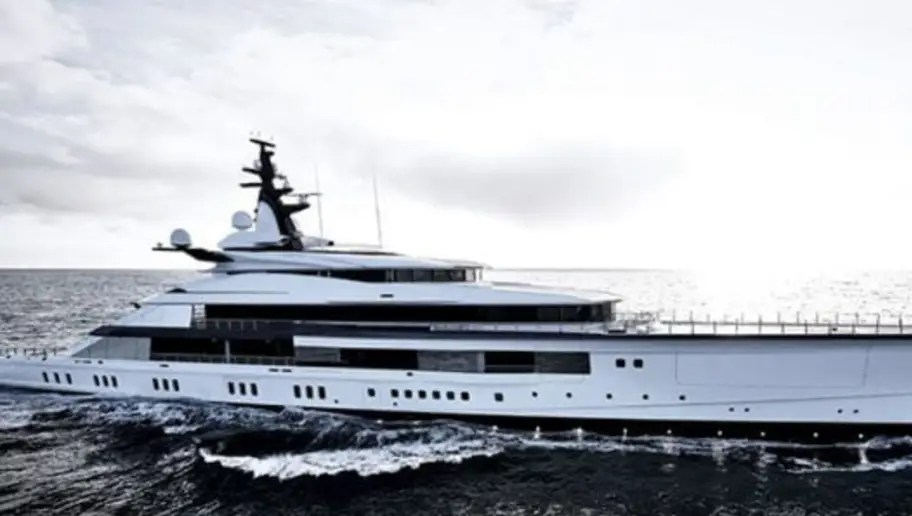 Jerry Jones Showcases Net Worth And Buys Massive Yacht For