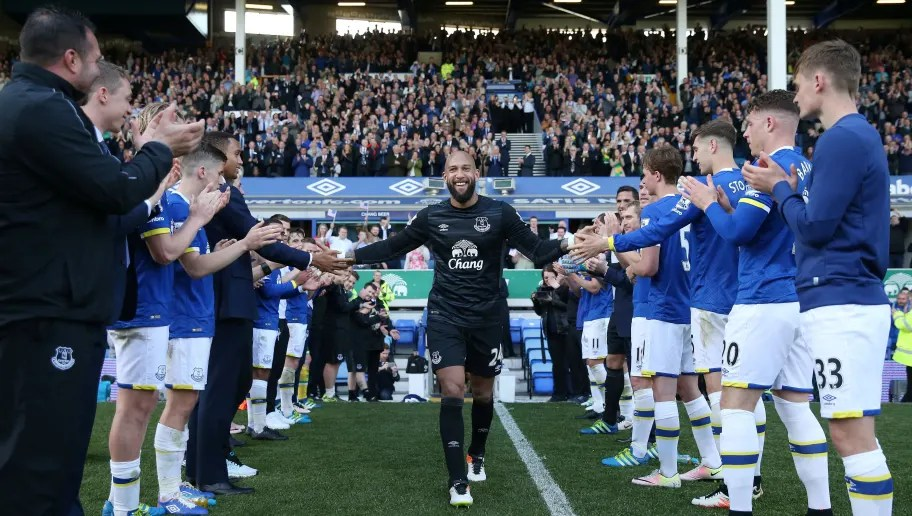 LIVERPOOL, UNITED KINGDOM - MAY 15: Tim Howard of Everton shakes hands with team mates after his final Everton match during the Barclays Premier League match between Everton and Norwich City at Goodison Park on May 15, 2016 in Liverpool, England.  (Photo by Chris Brunskill/Getty Images)  7 American Players That Pulisic Will Be Looking to Emulate by Succeeding in the Premier League everton v norwich city premier league 5c2f7cdf47ea6409ee000001