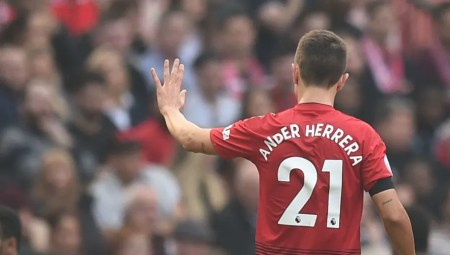 Paris Saint-Germain Confirm Signing Of Ander Herrera On Five-Year Deal |  90min