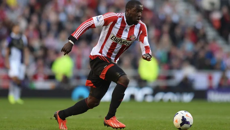 SUNDERLAND, ENGLAND - SEPTEMBER 29:  Jozy Altidore of Sunderland in action during the Barclays Premier League match between Sunderland and Liverpool at the Stadium of Light on September 29, 2013 in Sunderland, England.  (Photo by Gareth Copley/Getty Images)  7 American Players That Pulisic Will Be Looking to Emulate by Succeeding in the Premier League sunderland v liverpool premier league 5c2f7afb8b09074165000001