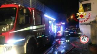 Roma: a fuoco i centri migranti della Croce Rossa e in via Cupa