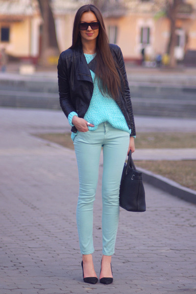 Light-blue-stradivarius-jeans-black-zara-jacket-aquamarine-diy-sweater_400
