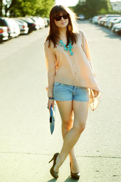 neutral Romwecom shirt - turquoise blue Romwecom bag - aquamarine H&M necklace