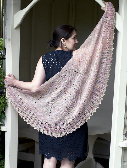 Falling Petals Lace Shawl by Evin Bail O'Keeffe
