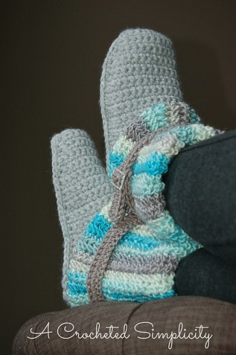 Womens Slouchy Slipper Boots - A Crocheted Simplicity