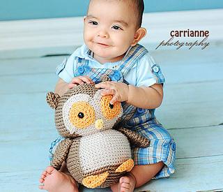 Crocheted owl cushion photo