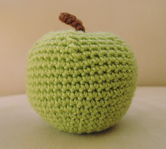 Crochet apple toy pattern