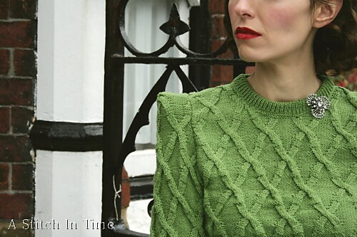 http://www.ravelry.com/patterns/library/blue-bird