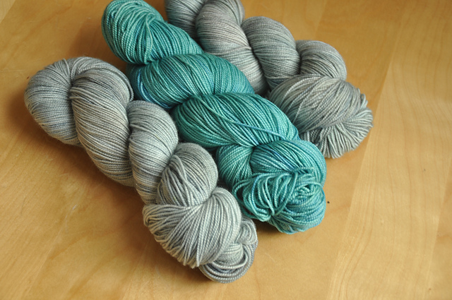 summer of mystery kal yarn zauberwiese supertwist falkland + twisted tabby in hidden lagoon
