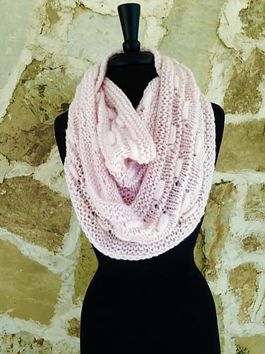 Free thru Valentine's Day! Spun Sugar #knit Cowl by @luckyeweyarn Get it here: http://ow.ly/YjcSR #limitedfree