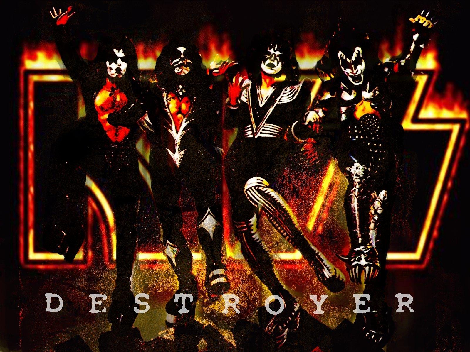 Kiss Army Logo Wallpaper