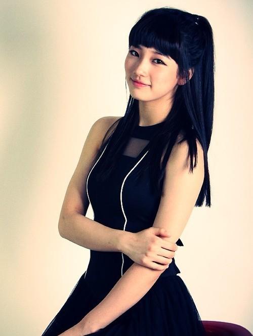 https://i1.wp.com/images4.fanpop.com/image/photos/15000000/suzy-miss-a-15060311-500-664.jpg