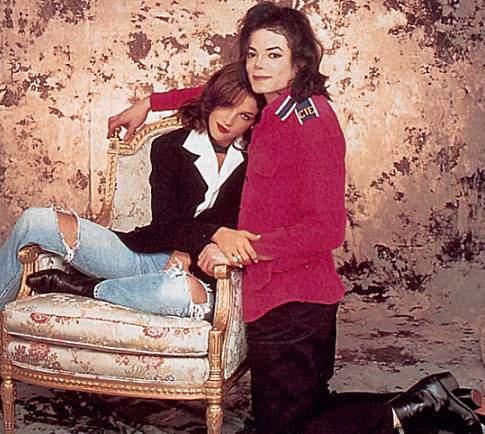 https://i1.wp.com/images4.fanpop.com/image/photos/15400000/Michael-with-Lisa-Marie-michael-jackson-15458835-485-434.jpg