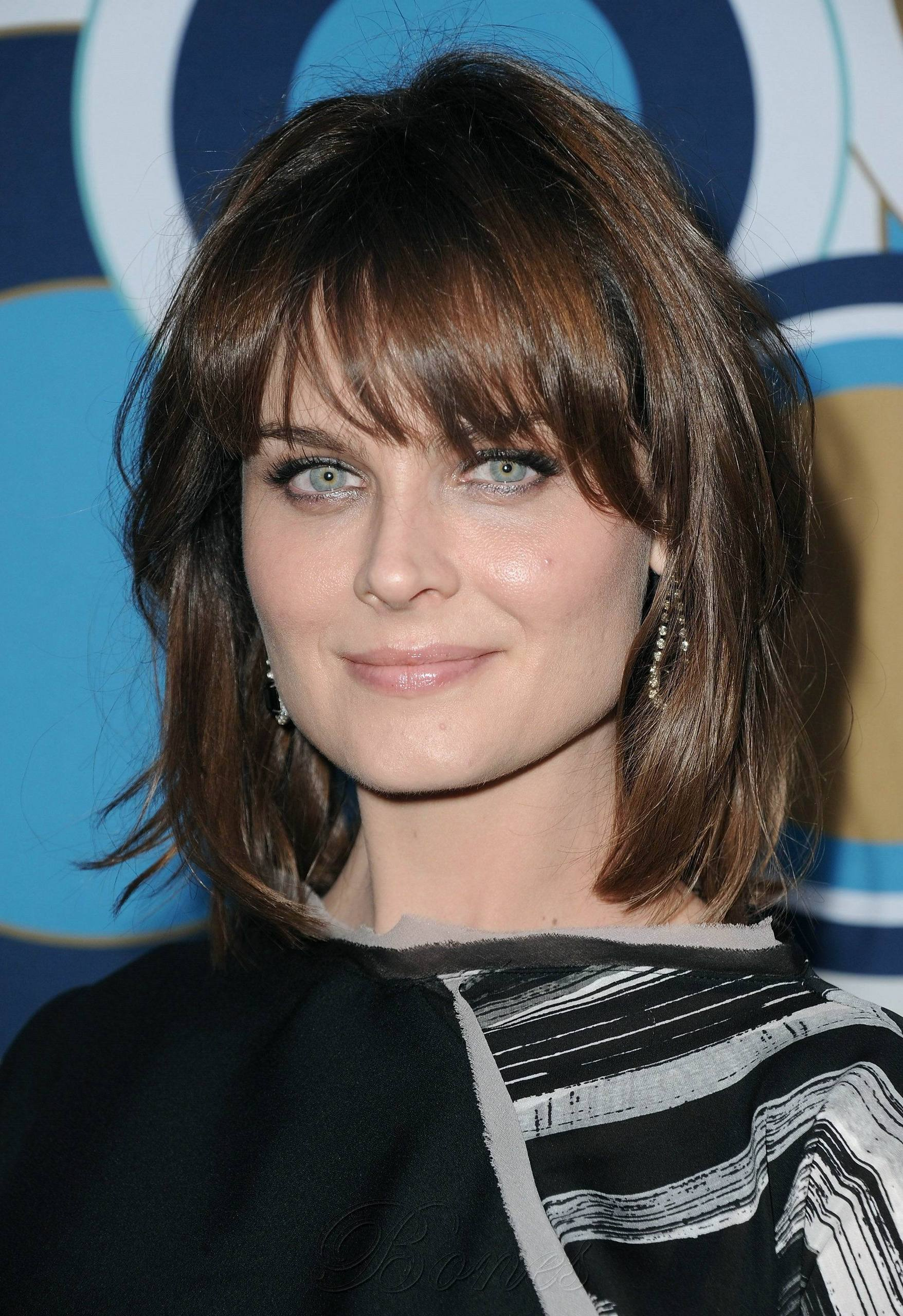 Bones Images Emily Deschanel HQ Images Of The Fox Fall