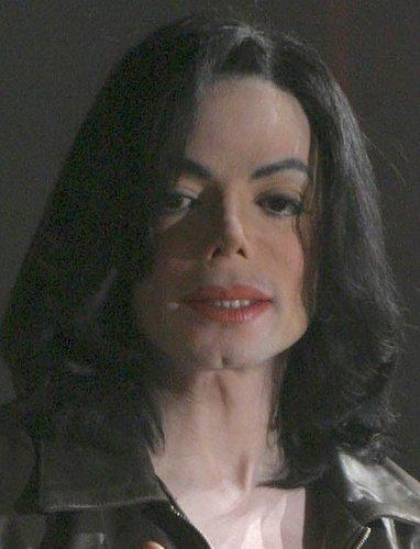 https://i1.wp.com/images4.fanpop.com/image/photos/16300000/Michael-michael-jackson-16381205-382-500.jpg